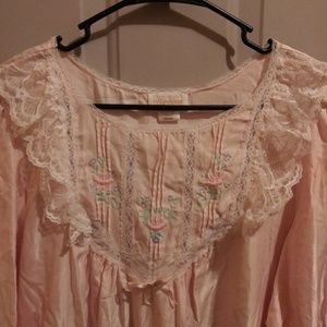 70s vintage nightgown w/ tags.